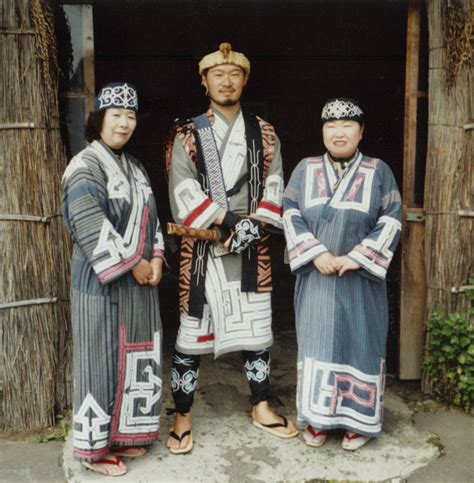 common threads a cultural history of clothing in american catholicism books strong jomon look in japanese page 5