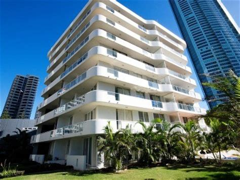 carlton appartments schoolies gold coast carlton apartments accommodation