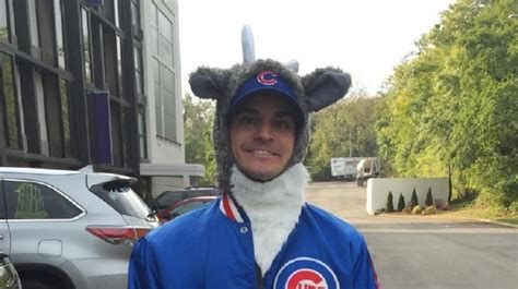 cop body slams fan cubs attorneys video shows body slamming officer removing