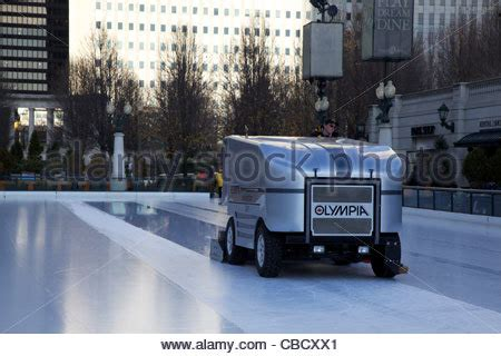 grooming chicago millennium park rink grooming machine chicago illinois stock photo royalty free