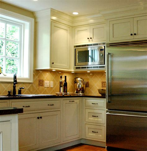 16 kitchen deep upper cabinets deep key cabinets deep what brand is this microwave how deep are the upper cabinets