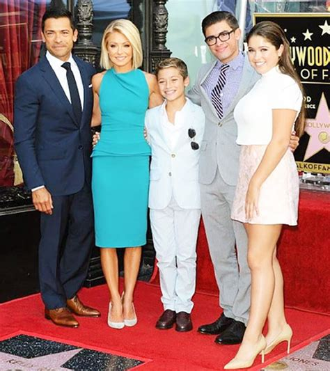 kelly ripa weight 2014 kelly ripa age height and weight bra size body