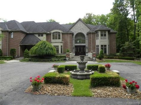 foreclosed homes in plymouth mi michigan wow houses this foreclosure at 2 65