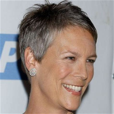 jamie lee haircut styles maintenance super short pixie jamie lee curtis in her signature