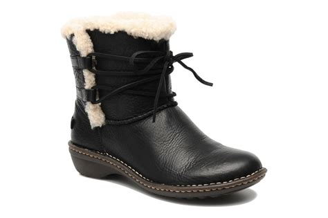 ugg australia rianne ankle boots in black at sarenza co uk