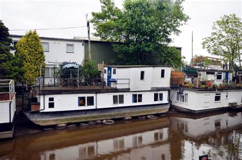 swan hill boats sale 2 bedroom house boat for sale in swan island twickenham