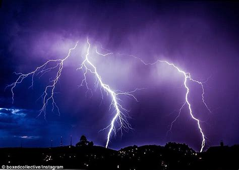 Lightning Strike Near Car Wont Start Sydney And Brisbane Weather To See Heavy Rainfall And
