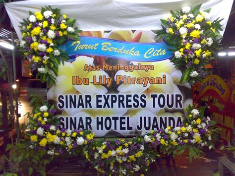 Karangan Bunga Papan Sukses 85733280006 pesan bunga papan selamat sukses surabaya 08123 5931 288 pesan karangan bunga surabaya