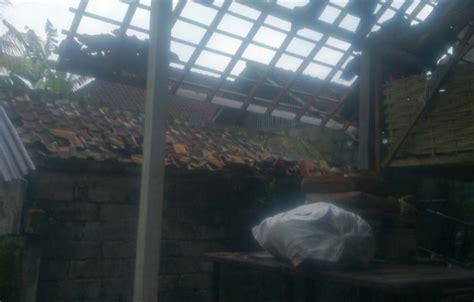 gejala kapasitor kipas angin rusak akibat kapasitor kipas angin rusak 28 images 45 rumah di kediri rusak akibat angin beliung