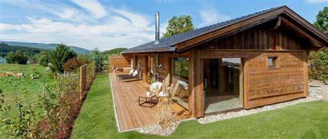 ferienhütten mieten wellness chalet bayerischer wald sauna chalet mit offenem