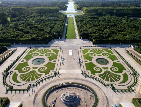 Versailles Gardens by The Ch 226 Teau Of Versailles Attitude Travel