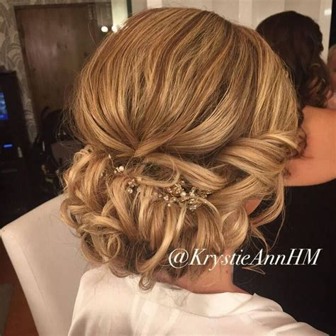 Wedding Hairstyles For Winter by 25 Best Ideas About Winter Wedding Hairstyles On