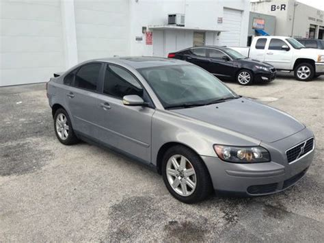 buy car manuals 2005 volvo s40 seat position control buy used 2005 volvo s40 i sedan 4 door 2 4l damaged in miami florida united states for us