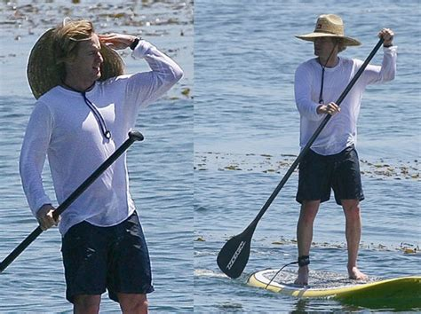 Garner Paddles A Surfboard by 33 Best Images About Stand Up Paddle Borders On