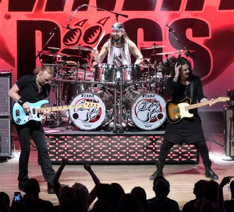 winery dogs soundpress net feature article the winery dogs raise the bar at the wildhorse saloon