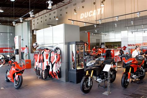 Motorcycle Dealers Uae by Troy Bayliss Opens New Ad Ducati Showroom Motoring