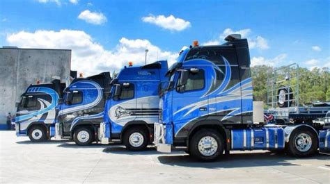 volvo trucks in australia heavy haulage australia s volvos big rigs road trains