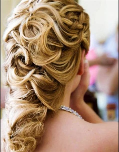 beach wedding curly hairstyles   Hollywood Official