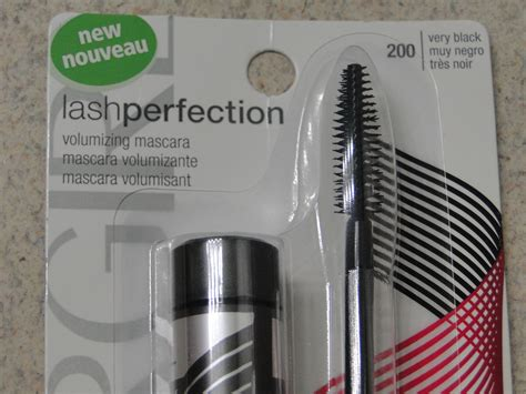 Max Factor Lash Perfection Volume Couture Mascara Expert Review by Mascara Monday Covergirl Lash Perfection Mascara Clumps