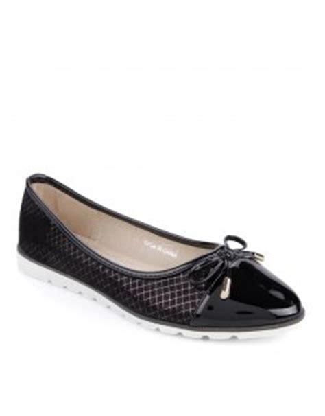 Sepatu Flat Shoes Cewek Sederhana Kualitas Top Unik mau kelihatan keren ini dia 33 model sepatu kekinian yang