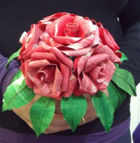 How To Make Bouquet Of Paper Flowers - how to make paper flower bouquet from a novel