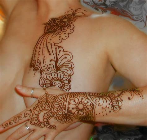 tattoos on breasts henna design ideas