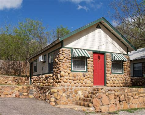 Oklahoma Cottages by The Door A Cobblestone Cabin In Medicine Park Ok
