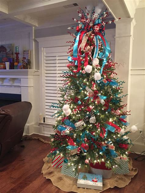christmas trees tourquoise and silver southern blue celebrations turquoise decorating ideas