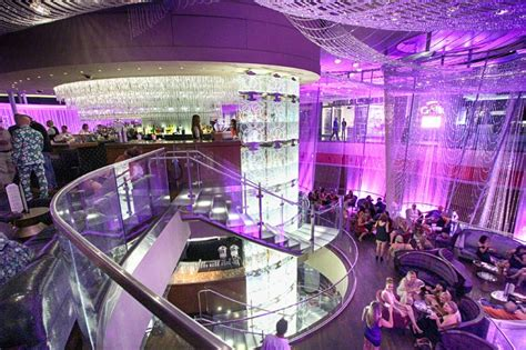 Renovated Chandelier Bar Opens At Cosmo With New Comp The Chandelier Bar Las Vegas