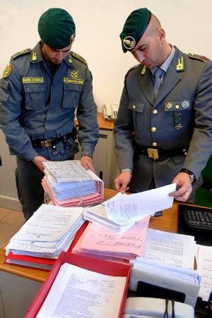 ufficio fidi rafanelli perquisiti e uffici indagine sul