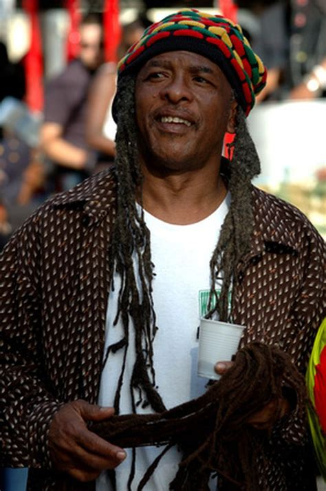 rastafarian style men traditional clothing in jamaica leaftv