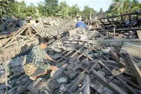 earthquake yogyakarta 2006 pictures of recent yogyakarta indonesia earthquake