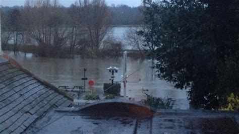 river thames update river thames at risk of burst banks in several places