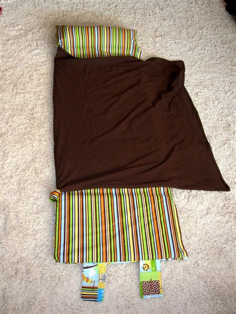 Nap Pad With Attached Pillow by Nap Mat With Attached Blanket And Pillow Great Tutorial