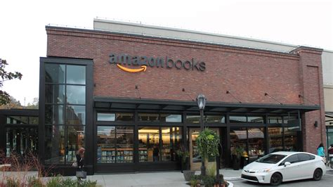 amazon retail independent bookstores wary of amazon s arrival to chicago