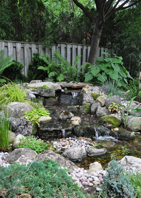 Small Garden Water Features Ideas Three Dogs In A Garden Pin Ideas Small Water Features Garden Ponds