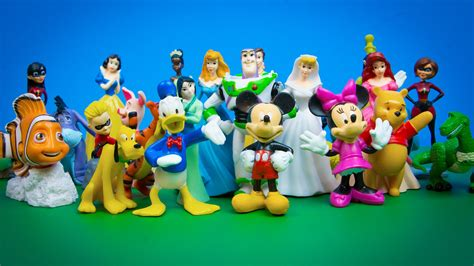disney toys disney characters princesses 30 figurines mickey mouse pooh incredibles finding nemo