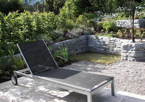 Kleiner Garten Als Ruheinsel Gartenliege Aus Alu
