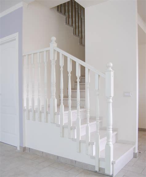 ringhiera per scale ringhiere in legno per scale interne spazio scale