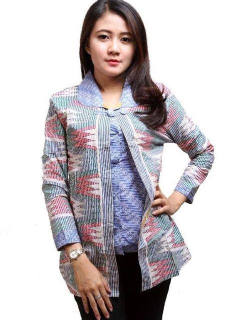 Baju Atasan Model Blus Batik Wanita Modern Untuk Pesta model baju batik wanita untuk kerja ide model busana