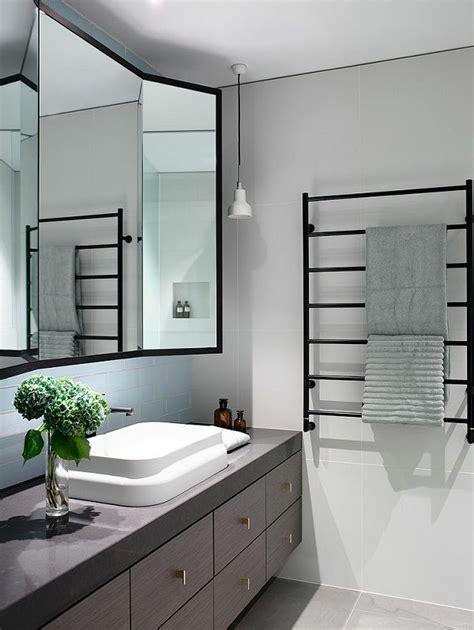schwarzes badezimmer das ideen verziert heizkorper badezimmer handtuchhalter das beste aus