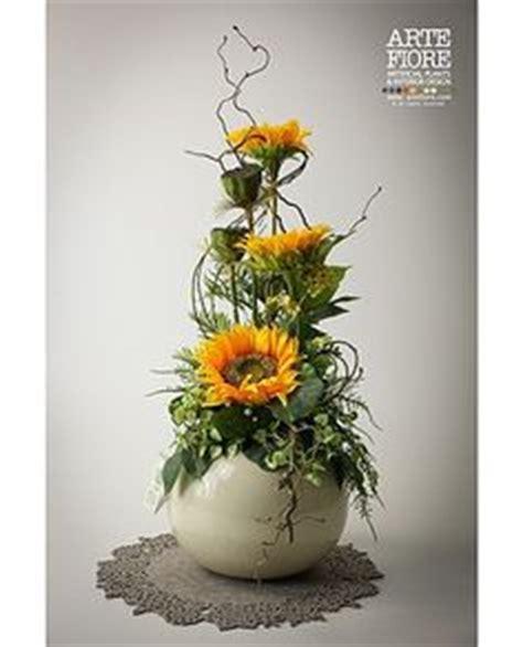 girasoli in vaso composizione floreale fiori artificiali in tessuto