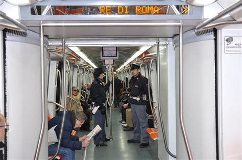 roma ufficio immigrazione questura e atac per metropolitana sicura controlli sui treni