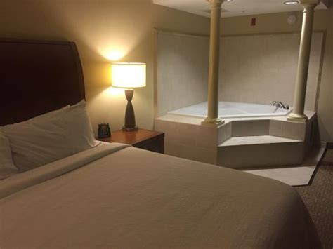 atlanta hotels with tubs in room king room with tub keurig coffee maker with complimentary pods lovely picture of