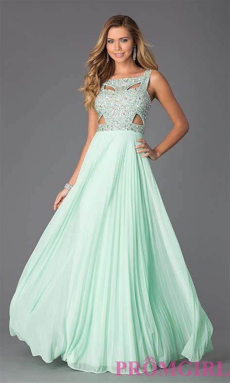 sleeveless green prom dress promgirl