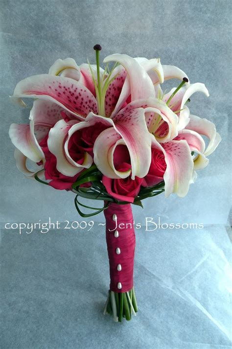 25  best ideas about Stargazer lily bouquet on Pinterest