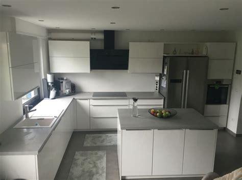 k 252 che beton optik wei 223 hochglanz wohnen grau kupfer rosa - Moderne Küchenfliesen Wand