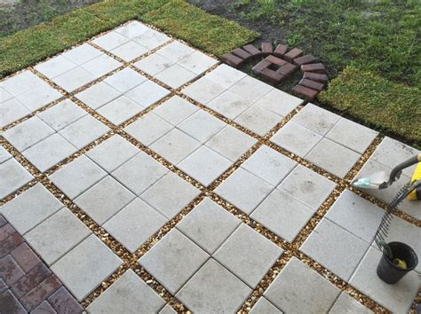 12x12 patio pavers patio using 12x12 pavers search patio ideas