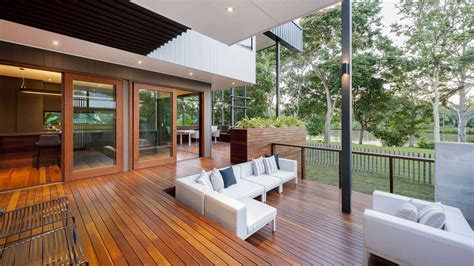 design your own queenslander home architects redefine style of much loved queenslander houses
