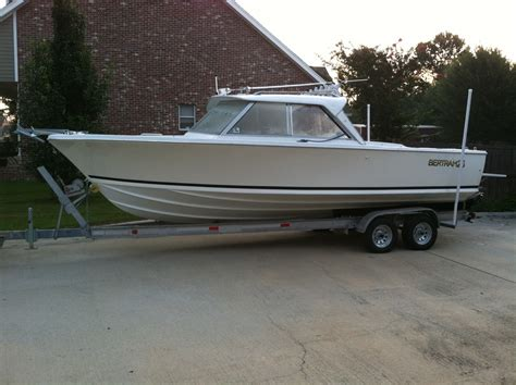 fishing forum boats for sale bertram 25 hardtop 16 995 the hull truth boating and